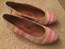Ros Hommerson Womens Striped Shoes Sz 7.5 WW