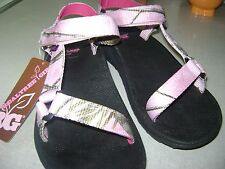 Real Tree Womans Pink Cammo Walking Sandals 8 M NWT