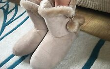 Worn Ladies Slippers Size 7/8 Large Well