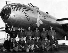 WWII B&W Photo US B-29 Bomber Crew Tiger Lil  WW2 /5061