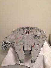 STAR WARS Electronic Light / Sound Millennium Falcon Vehicle Spaceship