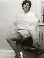 *NEW*VINTAGE UPSKIRT STOCKING FLASHING MODELS