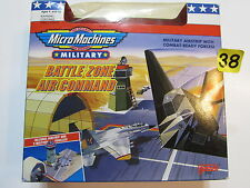 MICRO MACHINES MILITARY BATTLE ZONE AIR COMMAND W/ AIR STRIP AND  2 VEHICLES