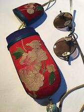Antique Chinese Ink Crystal Glasses Embroidery Glasses Case With Porcelain Bead