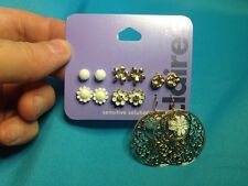 Six Pairs Of Claire's Flower Stud And Dangling Earrings Gold Tone And White