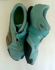 Pre-Owned Women's PUMA Athletic Shoes Size 6 Velcro Strap Blue/Brown