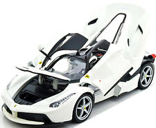 Bburago Ferrari Race & Play Laferrari F70 Diecast Model Car 1:18 16001 White