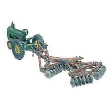 Woodland Scenics / SCENIC DETAILS HO Scale - #207 DISC AND TRACTOR D207