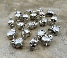 20 Pewter Skull Charms  -5195