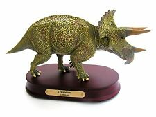 Fossil Dinosaur Detailed scale desk top model : Triceratops