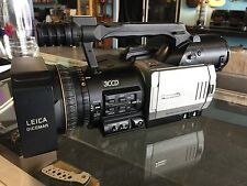 PANASONIC AG-DVX100P DIGITAL VIDEO CAMERA CAMCORDER (parts or repair)