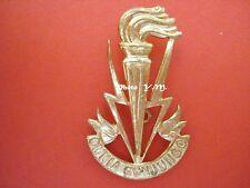 BELGIQUE- Cap Badge- TRANSMISSIONS Belge- Doré- Modèle de 1960
