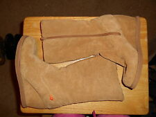 Womens Rocket Dog Beige Lined Suede Wedge Heel Platform Boots Size 8.5 BEAUTIFUL