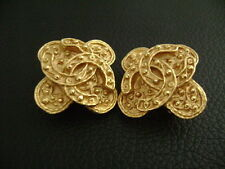 Auth Chanel Vintage Gold CC Cross Clip Earring(94A)