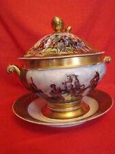 soupière avec son plateau en porcelaine de Paris au décor  Empire(Napoléon 1ér)