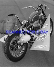 EVEL KNIEVEL MOTORCYCLE DAREDEVIL 8X10 STUNT PHOTO LOOK # 75
