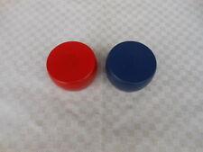 2 Kloats mit Bleikern in den Farben Rot und Blau / Boßeln / Scheiben / Kloat