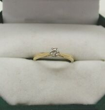 Una bella 18ct Gold Diamond Solitaire Ring