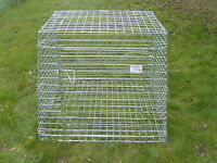 COLLAPSIBLE CAR DOG CAGE / CRATE MADE TO FIT FIAT TEMPRA ESTATE