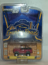 1/64 GREENLIGHT SE COUNTRY ROADS 1974 FORD BRONCO MAROON B11