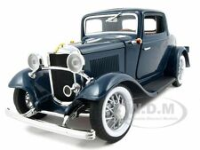 1932 FORD 3 WINDOW COUPE BLUE 1:18 DIECAST MODEL CAR BY ROAD SIGNATURE 92248