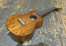 Mahalo mhz-ce-VNA Electro Concert Ukulele With Gold Hardware & Kala Pitch Pipe