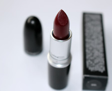 Mac Lipstick in Diva Matte Full Size