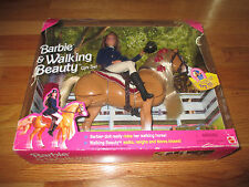 98 BARBIE & WALKING BEAUTY GIFT SET Doll RIDES Walking Horse NEIGHS BLOWS KISSES