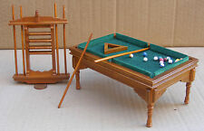 1:12 Walnut Pool Table Balls 6 x Cues Dolls House Miniature Pub Snooker Pool 676