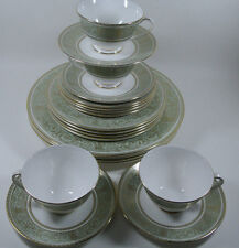 Royal Doulton English Renaissance H4972 4 5-pc Place Settings Plate Cup Saucer