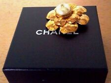 AUTHENTIC CHANEL RARE  VINTAGE 93C CC LOGO XL PIN  BROOCH GOLD WITH PEARL
