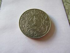 COMMEMORATIVE COINS - 1977 THE QUEEN'S SILVER JUBILEE HORSE DRESSAGE ON REVERSE