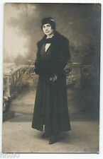 BM545 Carte Photo vintage card RPPC Femme mode fashion décor studio manteau noir