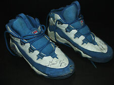 ORIGINAL Grant Hill NBA basketball game used pair of shoes/shoe signed/autograph