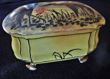 bonbonnière-boite art-déco en porcelaine de limoges décor grues japonaises