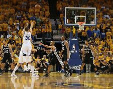 Stephen Curry Unsigned 16x20 Golden State Warriors (23)