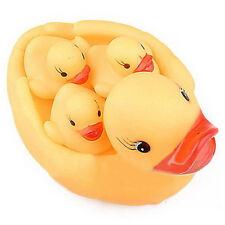 Bezaubernd Gelb Vier Enten Baby Kinder  Baden Nötig Spielzeug Gummi Rennen