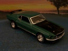 69 1969 FORD MUSTANG MACH 1 COLLECTIBLE DIECAST DIORAMA MODEL 1/64 SCALE