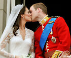 Prince William and Kate Middleton 10 x 8 UNSIGNED photo - P681- Wedding day kiss
