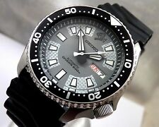 Seiko 'Piranha' Silver/Grey Carbon Automatic Diver's Day/Date Watch Custom 7S26