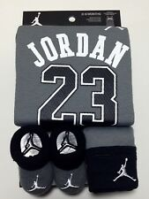 AIR JORDAN Baby BOYS OutfiBodysuit Romper, Booties & Cap Hat 3 pc Gift set 0-6M