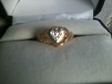 Heart Shaped Ring - solid Gold with intricate detail