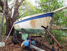 1975 25' CAL SAILING SLOOP  ON STEEL TRAILER IN FT ATLANTIC BEACH, FL (FONT)