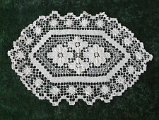 "VINTAGE filet lace doily 15"" da 10"""