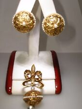 VINTAGE 1960'S  ANTIQUED GOLD TONE FLEUR-DE-LIS W/FAUX PERAL PIN & EARRINGS!