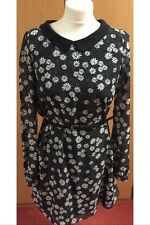 Ladies Thigh Length Long Sleeve Black & White Daisy Dress With Black Collar - 10