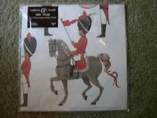 VTG. GORDON FRASER  BUCKINGHAM PALACE GUARDS PATTERN WRAPPING PAPER (2 SHEETS)