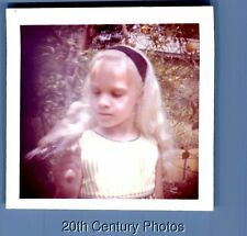 FOUND COLOR PHOTO B_5699 BLONDE GIRL POSED WITH BIRD PERCHED ON HAND