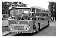 pt9356 - East Midland Coach Bus - LAL 282E at Mansfield - photograph