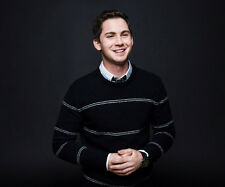 Logan Lerman UNSIGNED photo - G665 - The Patriot, The Butterfly Effect & Noah